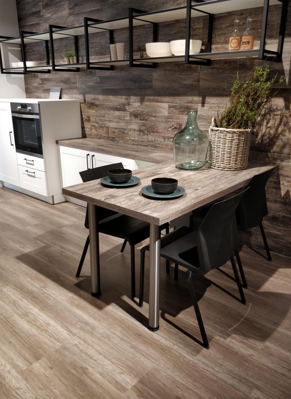 pavimento e rivestimento per cucina